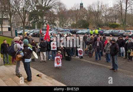 Welsh Language Society, Cymdeithas yr iaith Gymraeg, protest outside Welsh Assembly Government Office, Cathays Park, - Stock Photo