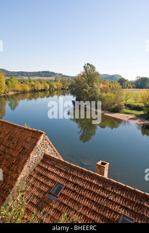 Rooftop view of the Dordogne River from la Roque Gageac, Dordogne (Périgord), south-west France, Europe. - Stock Photo