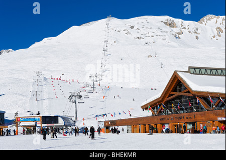 Lifts in the centre of Tignes Le Lac, Tignes, Espace Killy, Tarentaise, Savoie, France - Stock Photo