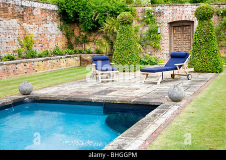 The swimming pool in the walled garden of bowood house in wiltshire stock photo 86274691 alamy for Chippenham outdoor swimming pool