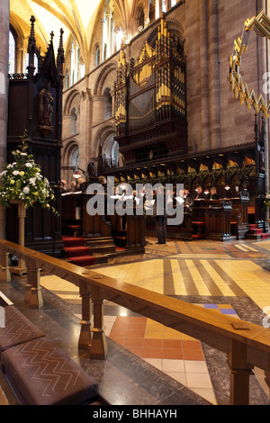 The Choir at Hereford Cathedral,the organ overlooks the practicing choir and choir stalls. - Stock Photo