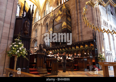 The case designed by Scott and the instrument designed by Henry Willis, the organ dominates the Choir at Hereford - Stock Photo