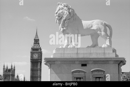Coade lion, Westminster Bridge Road, Lambeth, London, 1966. Artist: Eric de Maré - Stock Photo
