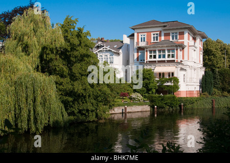 Villen an der Alster, Hamburg, Deutschland | villas near river Alster, Hamburg, Germany - Stock Photo