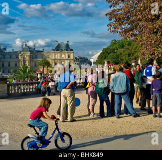 Paris, FRANCE - French People in 'Luxembourg Garden', 'Jardin de Luxembourg', With Senate Building, in Autumn. - Stock Photo