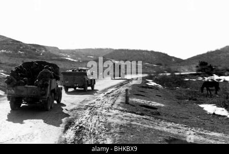 events, Second World War / WWII, Russia 1944 / 1945, Crimea, Wehrmacht vehicles on a road in the Crimean Mountains, - Stock Photo