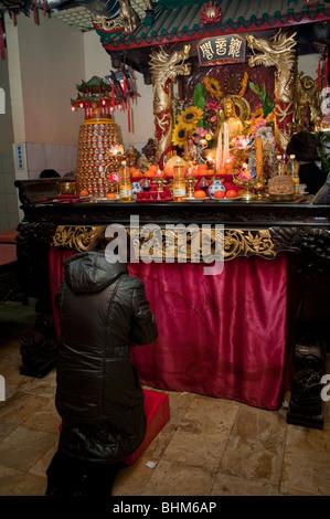 notre dame buddhist personals 9781561678938 1561678937 eclairs & bandsaws - the 115 best-written online personals as  philosophie des facultes universitaires notre-dame de la paix en.