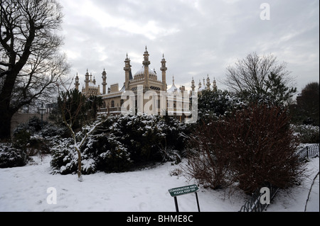 The royal pavilion brighton in the snow - Stock Photo