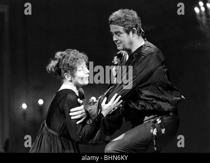 Behrens, Hildegard, 9.2.1937 - 18.8.2009, German opera singer (soprano), with James King, scene from the opera 'Ariadne - Stock Photo