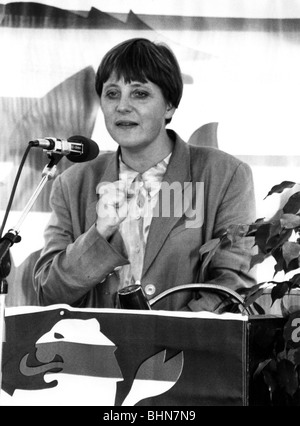Merkel, Angela Dorothea, Dr., * 17.7.1954, German politician (CDU), half length, as Federal Minister for Women and - Stock Photo