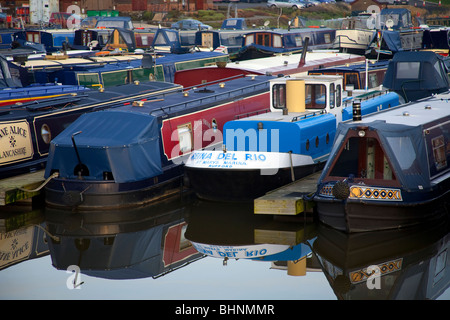 Residential House-boats at Marina in Rufford. Lancashire, UK - Stock Photo