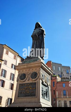 Giordano Bruno statue in piazza campo de Fiori Rome - Stock Photo