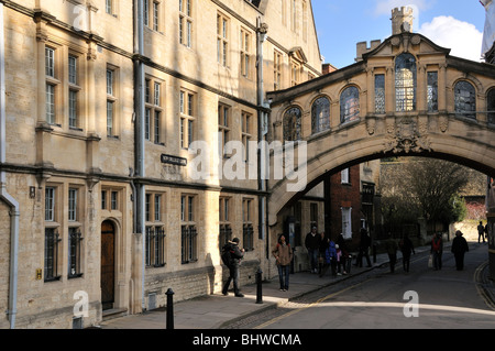 Hertford Bridge, often known as the Bridge of Sighs, New College Lane, Oxford. - Stock Photo