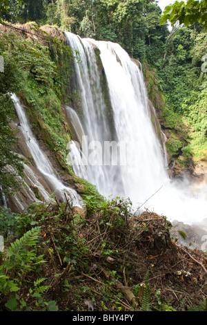 Pulhapanzak waterfall, Lago Yojoa, Honduras - Stock Photo