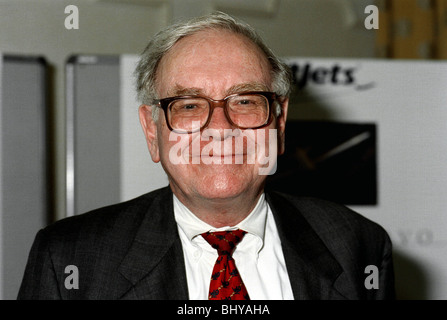 WARREN BUFFETT STOCKS & SHARES INVESTOR 01 May 1990 - Stock Photo