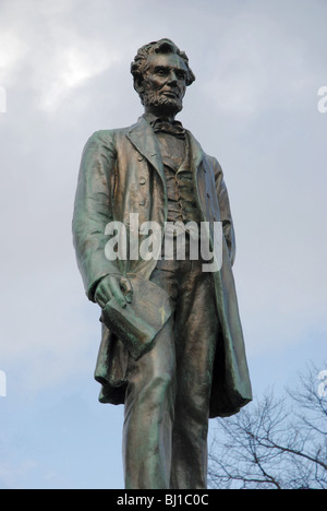 Statue of Abraham Lincoln by George Bissell on the memorial to Scottish American soldiers who fought in the American - Stock Photo