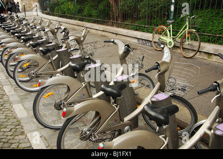 Velib bicycles for hire in Montmartre Paris France - Stock Photo