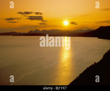 Midnight sun over mountains and sea, Nordland, arctic Norway. - Stock Photo