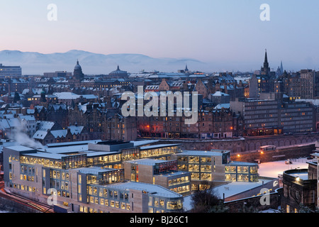 View over the Old Town of Edinburgh at dawn, Scotland, UK. - Stock Photo