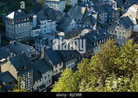 Naturpark Hohes Venn-Eifel Eifel, Blick auf die Altstadt von Monschau - Stock Photo