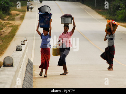 karen ladies walking to river to wash clothes, mae la  refugee camp(thai burmese border) , north of mae sot , tak - Stock Photo
