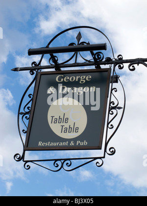 George and Dragon Inn Sign, Marlow Buckinghamshire - Stock Photo