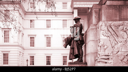 First World War memorial near Wellington Arch Hyde Park Corner London England UK with the Lanesborough Hotel behind - Stock Photo