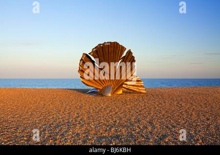 The Scallop sculpture on Aldeburgh beach Suffolk UK by Maggi Hamblin dedicated to composer Benjamin Britten and - Stock Photo