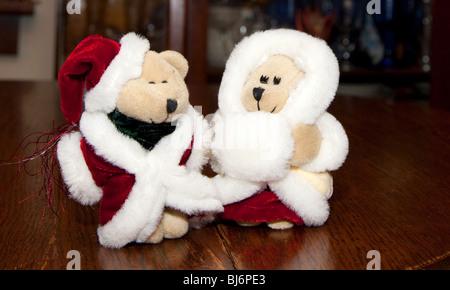 Santa and Mrs Claus bears. St Paul Minnesota USA - Stock Photo