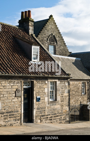 dh Andrew Carnegie Museum DUNFERMLINE FIFE Andrew Carnegie birthplace cottage Museum building home scotland