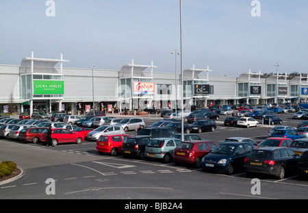 Giltbrook Retail Park Out Of Town Shopping Centre