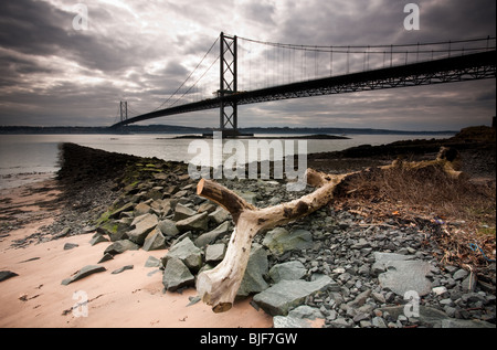 Forth Road Bridge from North Queensferry, Inverkeithing, Fife, Scotland - Stock Photo