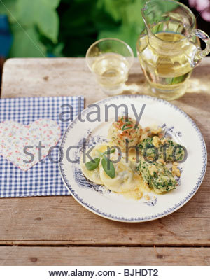 ... spinach dumplings schlutzkrapfen pasta parcels s tyrol italy dumplings
