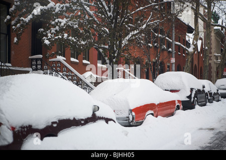 Cars covered in snow - Stock Photo