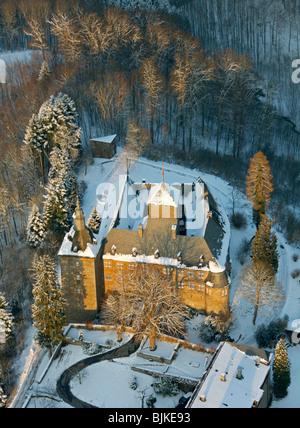 Aerial photo, Burg Schnellenberg Castle in the snow in winter, Attendorn, North Rhine-Westphalia, Germany, Europe - Stock Photo