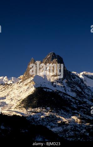 Dawn at Peña Foratata peak and Lanuza reservoir, Tena Valley, Huesca, Spain - Stock Photo