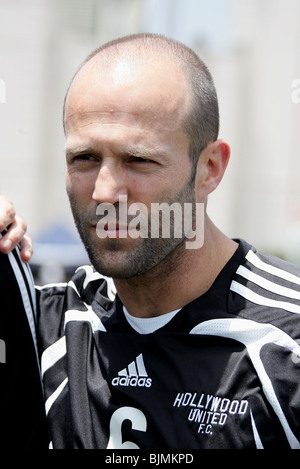 JASON STATHAM SOCCER FOR SURVIVORS HOLLYWOOD UNITED CHARITY FOOTBALL MATCH BEVERLY HILLS HIGH SCHOOL BEVERLY HILLS - Stock Photo