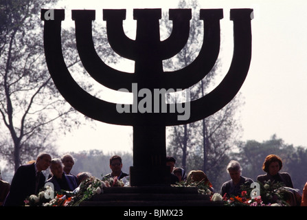 Monument to the Jews massacred by occupying Nazi's during WWII at Babi Yar in Kiev, Ukraine. - Stock Photo