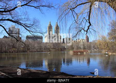 The Lake in New York City's beautiful Central Park. - Stock Photo