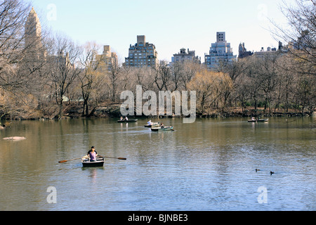 Rowboating on the lake in New York City's Central Park - Stock Photo