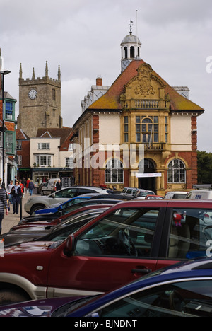 The view from Marlborough High St of the Town Hall with St Mary's Church in the background. - Stock Photo