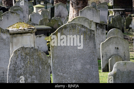 Gravestones in Bunhill Fields, City Road, London, England, UK. - Stock Photo