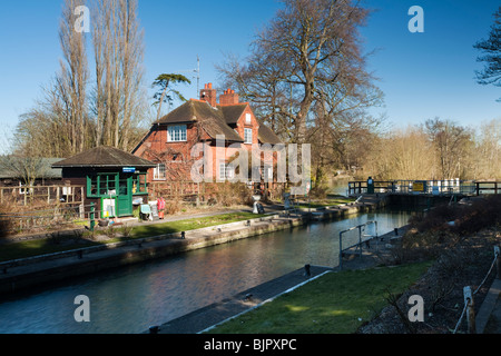 Sonning Lock on the River Thames, Sonning, Berkshire, Uk - Stock Photo
