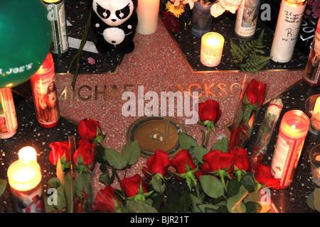 MICHAEL JACKSON MIDNIGHT VIGIL AT MICHAEL JACKSON STAR ON HOLLYWOOD BOULEVARD HOLLYWOOD LOS ANGELES CA USA 26 June - Stock Photo