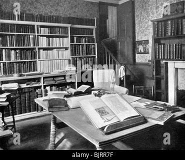 William Morris's study, Kelmscott Manor, Kelmscott, Oxfordshire, 1901. - Stock Photo