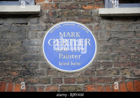 Blue plaque for the painter Mark Gertler (1891-1939), 32 Elder Street, Spitalfields, London, England, UK. - Stock Photo