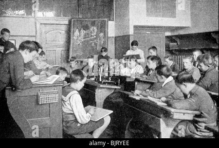 Schoolboys in a drawing lesson, Germany, 1922.Artist: Photothek, Berlin - Stock Photo