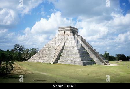 Temple of kukulcan - Stock Photo