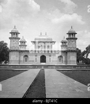 Itmad-Ud-Daulah's Tomb, Agra, India, early 20th century.Artist: H Hands & Son - Stock Photo
