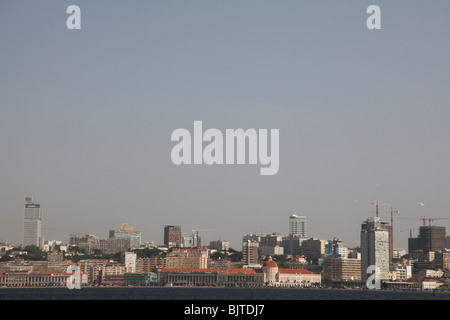 City view of the capitals skyline and Marginal. Luanda. Angola. Africa. Pictures © Z & D Lightfoot. www.lightfootphoto.co.uk - Stock Photo